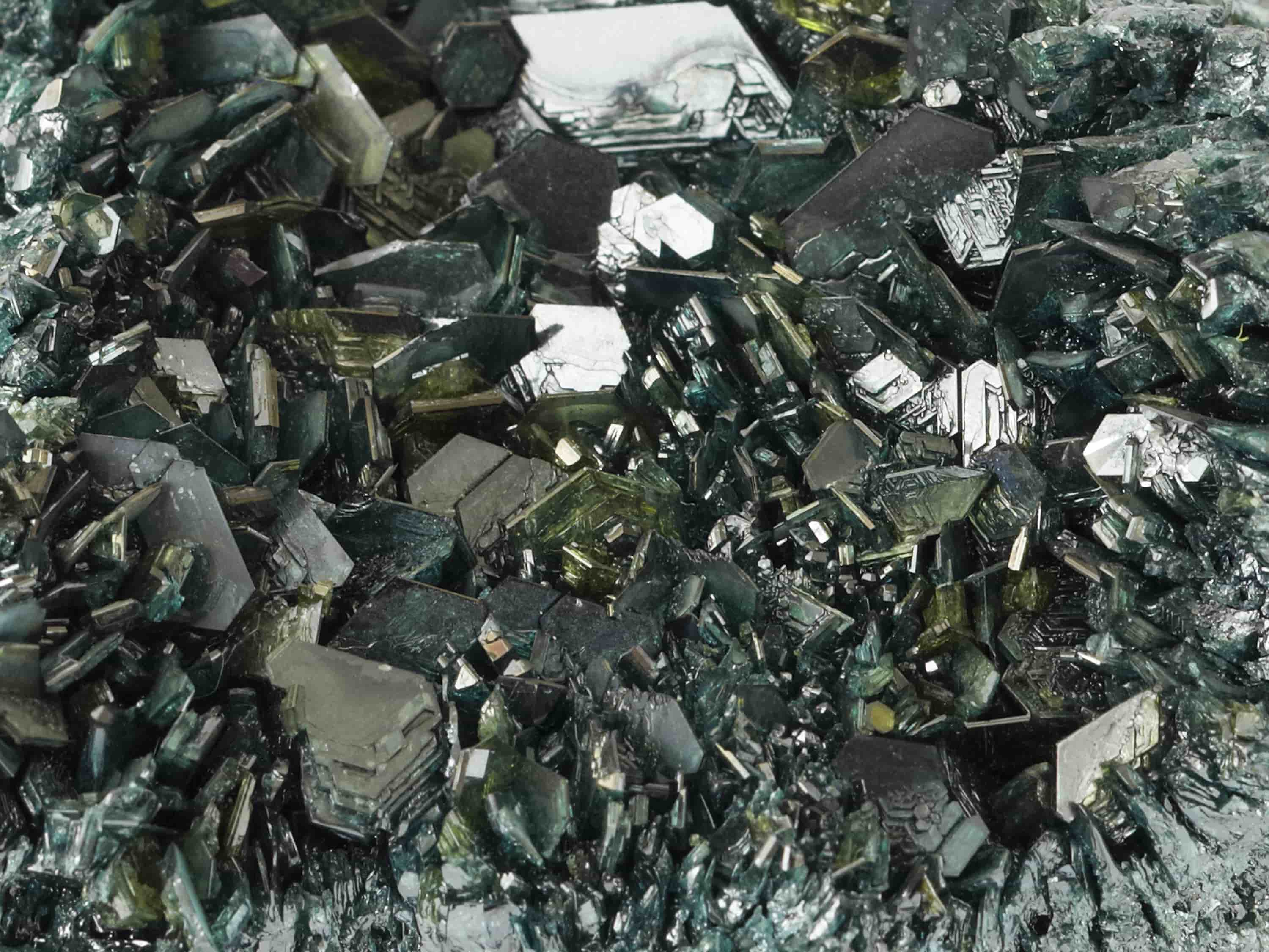 Green Silicon Carbide Up Close-min